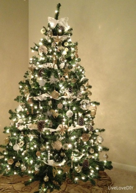 modern-luxury-homes-interior-design-gold-christmas-tree-decorations-martha-stewart-christmas-decorations-1123x1600-805x1147